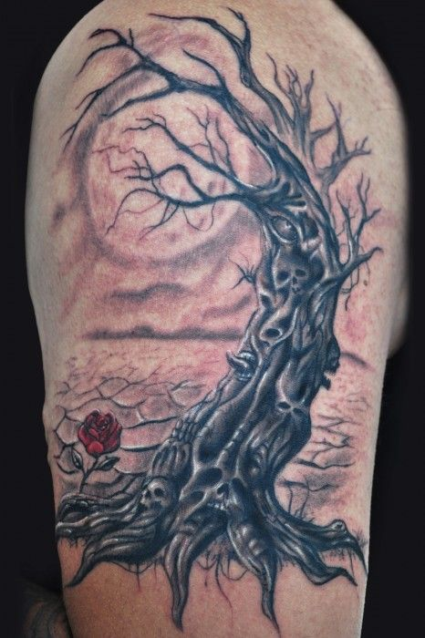 arbol y rosa en el brazo
