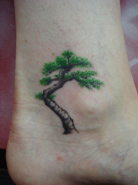 bonsai en el tobillo