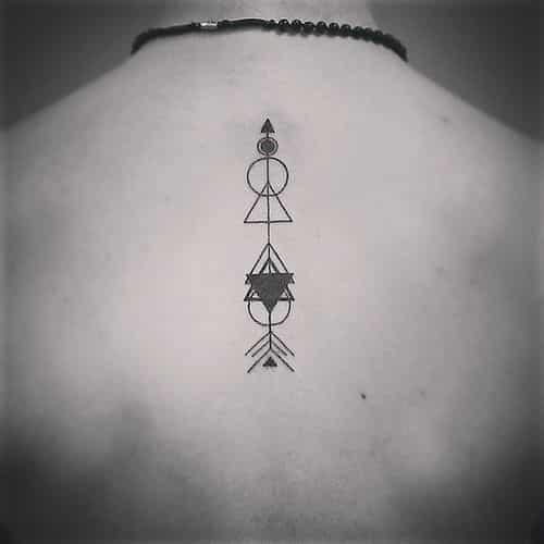 espalda tatoo flecha