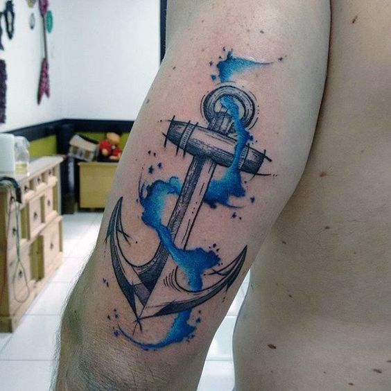 tatuajes de ancla en el brazo hombres 1 - Tatuajes de anclas más de 40 diseños y los significados más populares