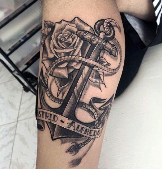 tatuajes de ancla en el brazo hombres 7 - Tatuajes de anclas más de 40 diseños y los significados más populares
