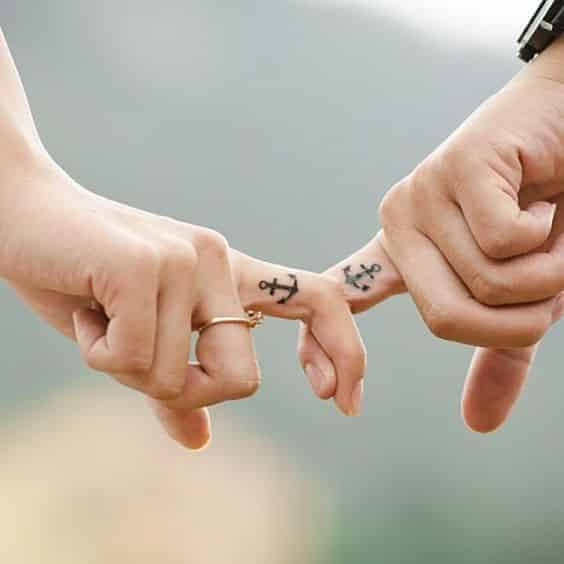 tatuajes de anclas para parejas 3 - Tatuajes de anclas más de 40 diseños y los significados más populares