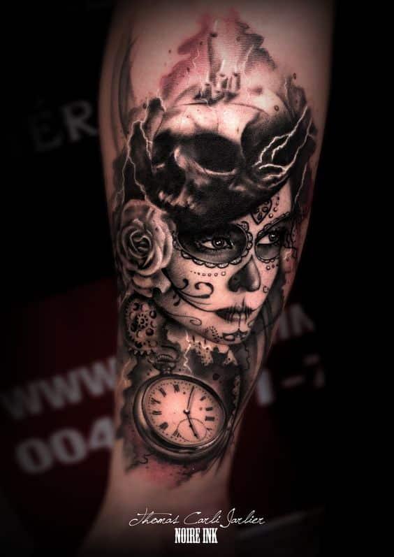 brujula tatuada con catrina - +60 Tatuajes de catrinas, diseños, significados y su representación