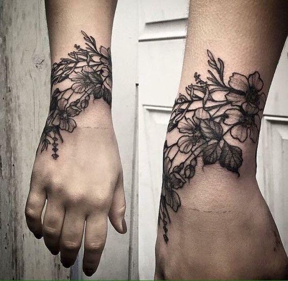 chicas tatuadas en la mano 3 - Tatuajes en la mano diseños para hombres y mujeres con significado
