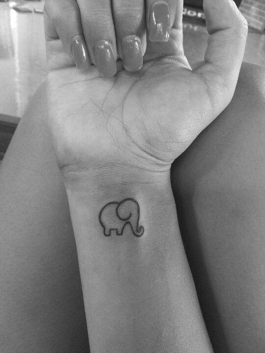 tatuajes de elefantes sencillos