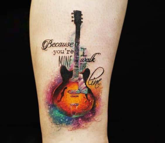 pequeñas guitarras en la piel 1 - Tatuajes de guitarras eléctricas y acústicas amor por la música en la piel