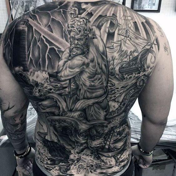 tattoos en la espalda hombres 1 - +80 Tatuajes para hombres ideas y diseños populares en 2018