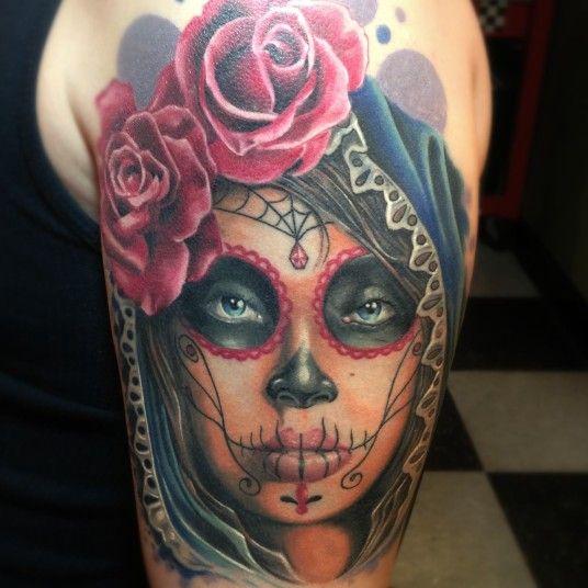 tatuaje catrina color - +60 Tatuajes de catrinas, diseños, significados y su representación