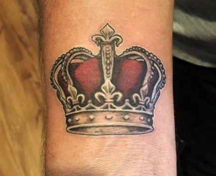 tatuajes de coronas para hombre 1 - +80 Tatuajes para hombres ideas y diseños populares en 2018