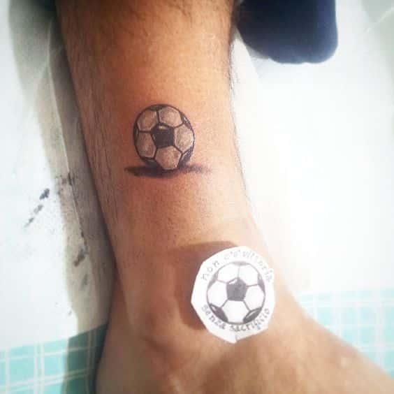 40 Tatuajes De Futbol Frases Y Disenos Para Hombres Y Mujeres