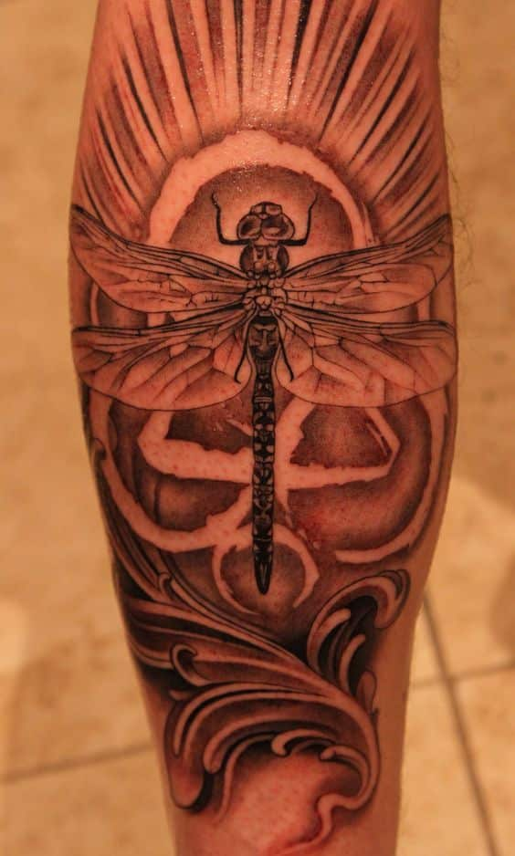 tatuajes de libélulas para hombres