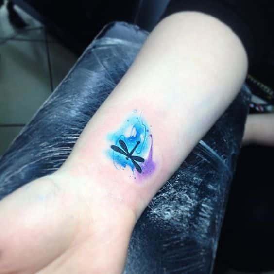 tatuajes de libélulas pequeños