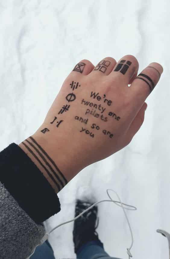 tatuajes en la mano frases