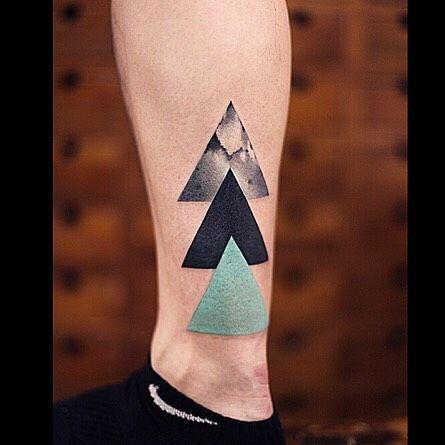 tatuajes de triangulos para hombres 5 - +40 Tatuajes de triángulos y su particular significado en cada diseño