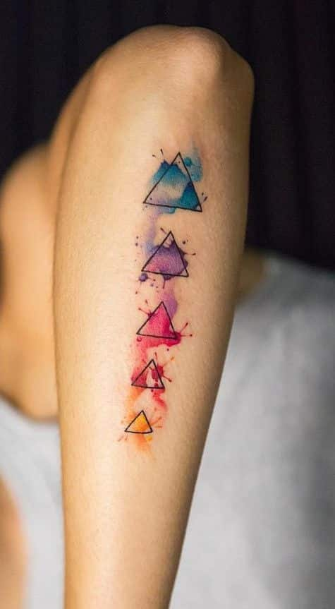 tatuajes de triangulos chicas