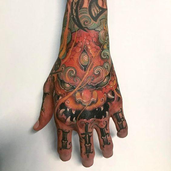 tatuajes en la mano 3 - Tatuajes en la mano diseños para hombres y mujeres con significado