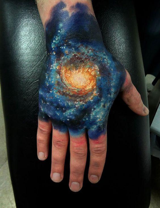 tatuajes en la mano 4 - Tatuajes en la mano diseños para hombres y mujeres con significado