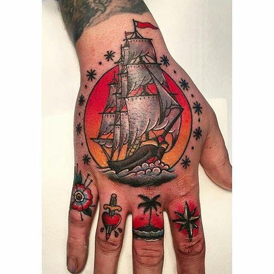 tatuajes en la mano para hombres 6 1 - Tatuajes en la mano diseños para hombres y mujeres con significado
