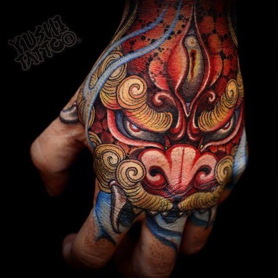 tatuajes en la mano para hombres 7 1 - Tatuajes en la mano diseños para hombres y mujeres con significado
