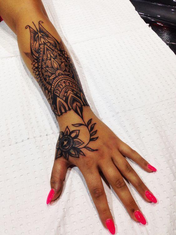 tatuajes en la mano para mujeres 3 - Tatuajes en la mano diseños para hombres y mujeres con significado