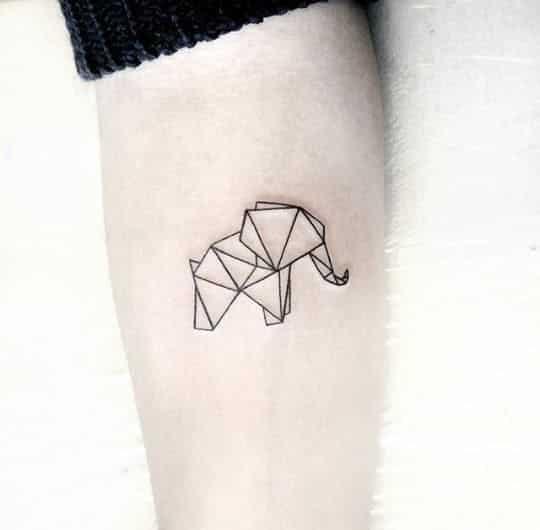tatuajes pequeños de elefantes 4 - +40 Tatuajes de elefantes, significados - diseños en hombres y mujeres