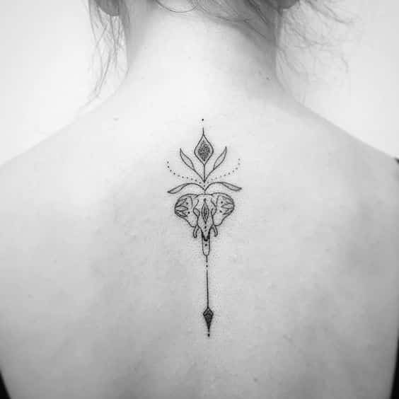tatuajes pequeños de elefantes 5 - +40 Tatuajes de elefantes, significados - diseños en hombres y mujeres