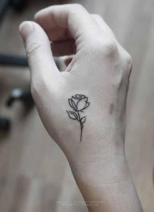 tatuajes en la mano pequeños