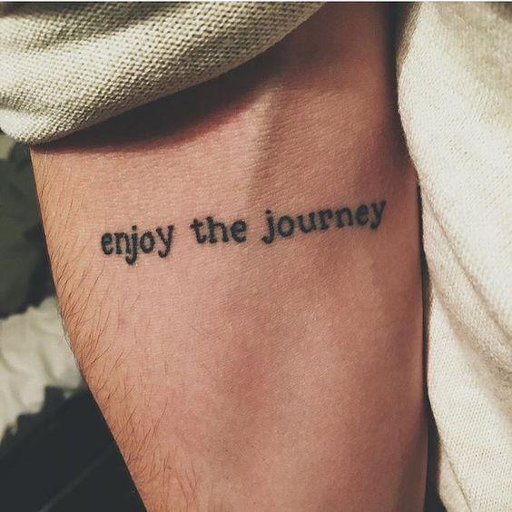 tatuaje hombre 4 - Tatuajes pequeños para hombres y mujeres, fotos y diseños geniales