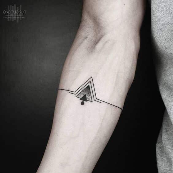 tatuajes pequeños para hombres 13 - Tatuajes pequeños para hombres y mujeres, fotos y diseños geniales