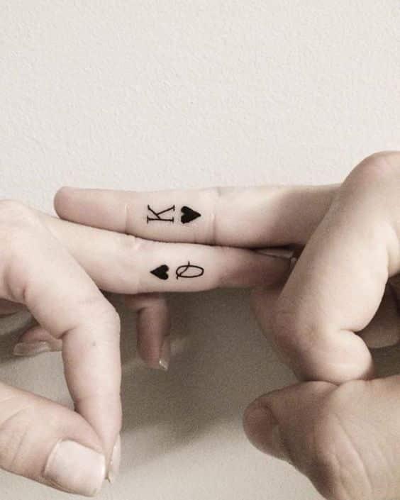 tatuajes pequeños parejas 1 - Tatuajes pequeños para hombres y mujeres, fotos y diseños geniales