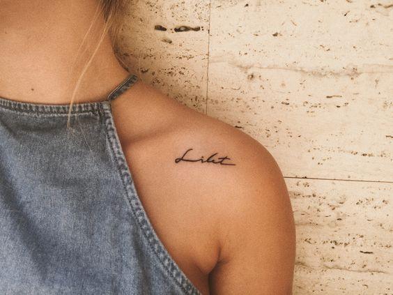 Tatuajes En El Hombro Con Frases