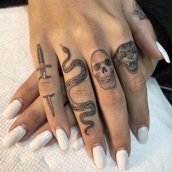 Chicas Tatuajes Dedos (6)