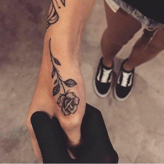 Significados De Los Tatuajes En Los Dedos (4)