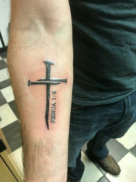 Tatuajes De Cruces En Los Brazos (7)