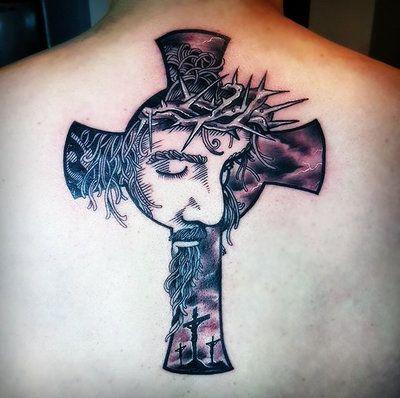 Tatuajes De Cruces Para Hombres (10)