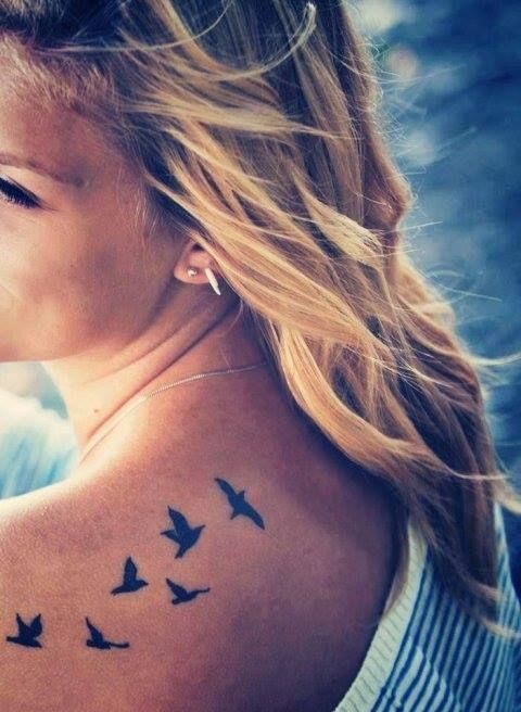 Tatuajes De Pajaros En La Espalda (2)
