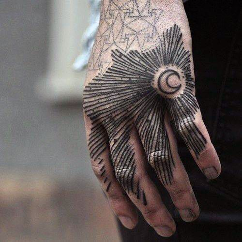 Tatuajes De Sol Y Luna Para Hombres (11)