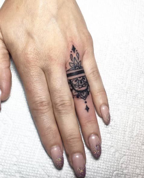 Tatuajes En Los Dedos Para Mujeres (1)