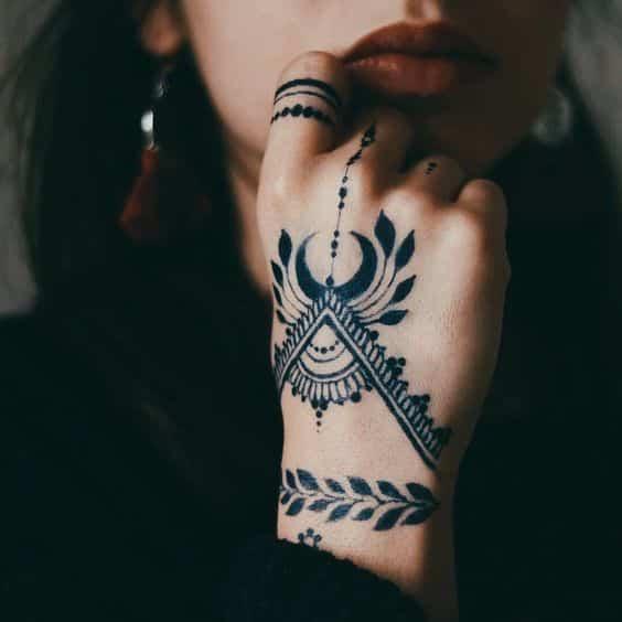 Tatuajes En Los Dedos Para Mujeres (2)