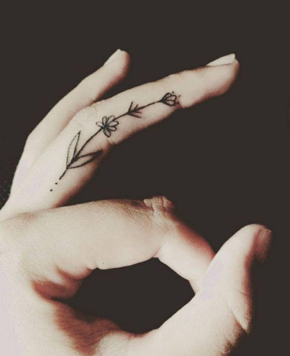 Tatuajes En Los Dedos Para Mujeres (3)