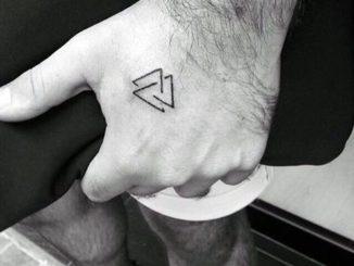 Tatuajes Minimalistas Para Hombres (3)