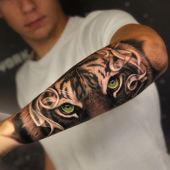 Tatuaje De Tigre Antebrazo Ojos De Color