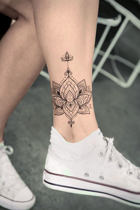 Flor De Loto Tatuada Mujeres (10)
