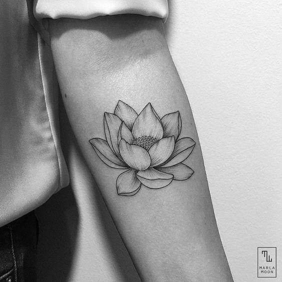 Flor De Loto Tatuada Mujeres (7)