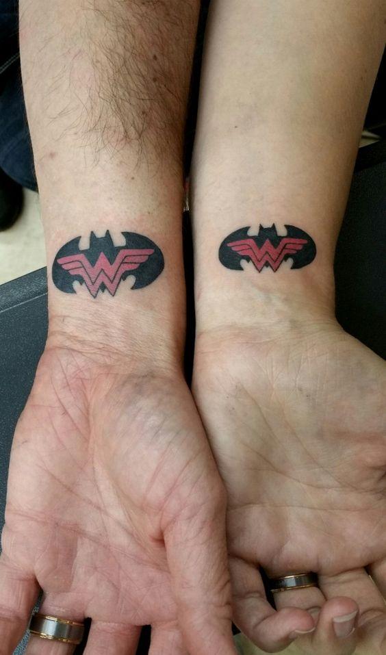 Hermos Gemelos Tatuados (1)