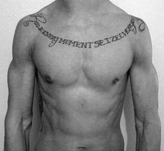 Nombres Y Frases Tatuados En La Clavicula (4)