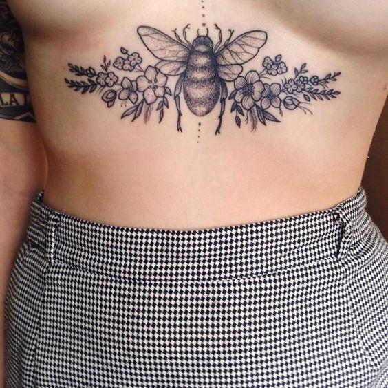 Pecho Tatuajes Mujeres (3)