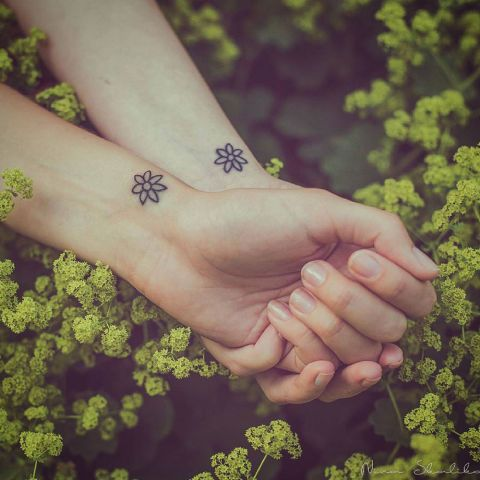 Pequeños Tattoos Para Amigas (5)