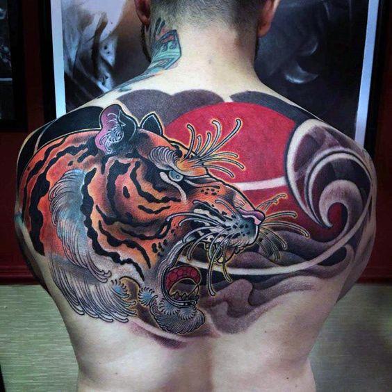 Tattoos De Tigres En La Espalda (7)