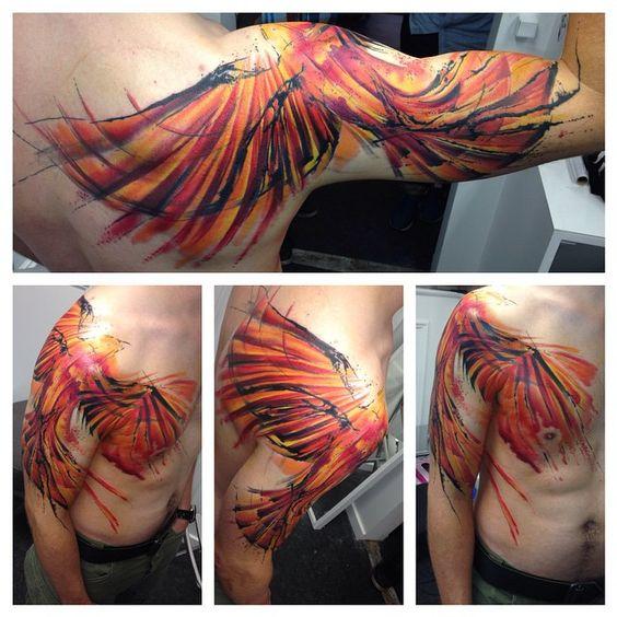 Tatuaje De Ave Fenix En El Brazo (3)